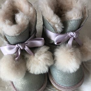 UGG Boots Gita Pom Pom Silver Glitter Lavender 6